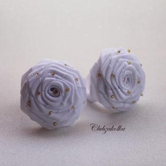 Розы белые с бисером на резинке — в интернет-магазине Clubzakolka
