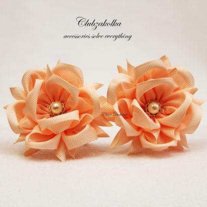 clubzakolka.ru Резинки для волос Цветы Камелии персиковые