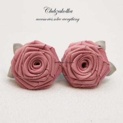clubzakolka.ru Розы пудрово-розовые с серыми листиками на резинках