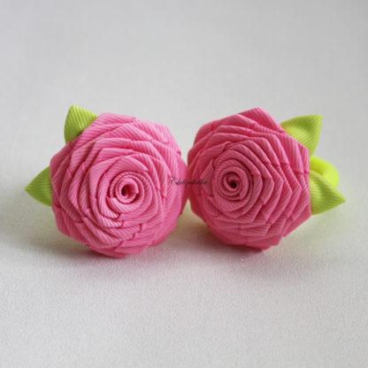 clubzakolka.ru Розы ярко-розовые с салатовыми листиками на резинках