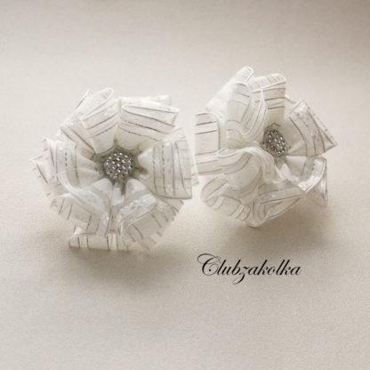 Банты объемные белые из органзы на 1 сентября — в интернет-магазине Clubzakolka