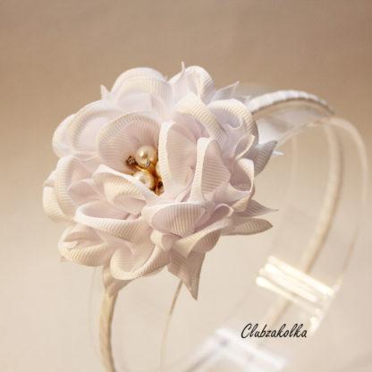 Ободок с крупным цветком камелии
